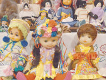 А кукол стало больше