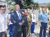 Алапаевцам вручили медали Александра Невского