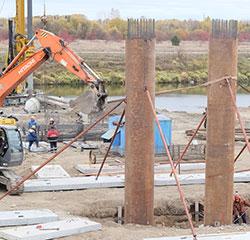 Продолжают строить мост за 350 миллионов